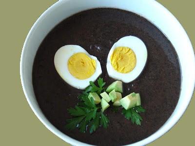 sopa negra schwarze bohnen suppe aus honduras. Black Bedroom Furniture Sets. Home Design Ideas